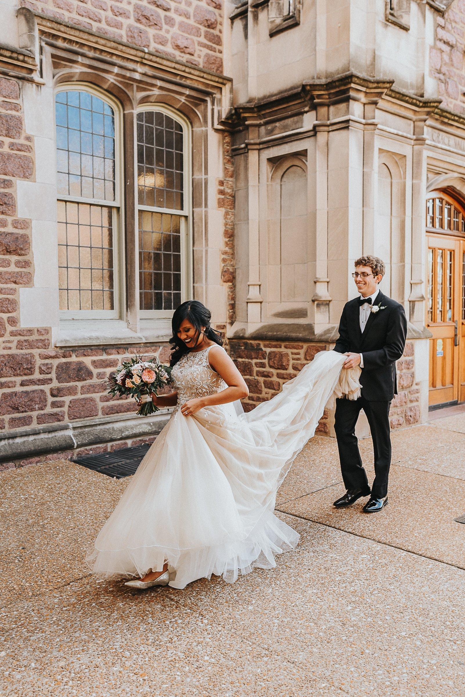 Graham chapel, St. Louis Wedding photographer, Weddings, Washington University, Wedding packages, Missouir Wedding photographer, Engagement photos, Wedding Venues, NEO on Locust, Silver Oaks Chateau